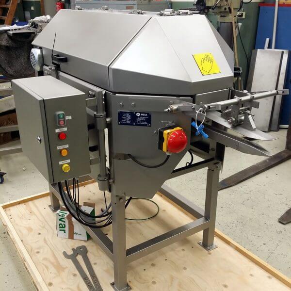 MESA 955 fish processing machine