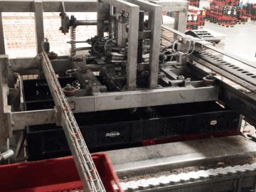 SEMI-STAAL (De)Palletizer Machine