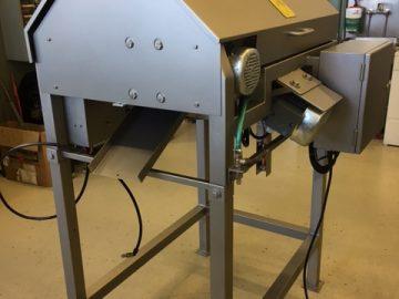 MESA 950 fish head processing machine